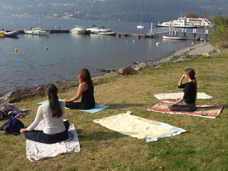 OlisticMap - PASQUA 2017 - YOGA SUL LAGO DI COMO -  Dervio, Lake of Como